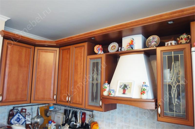 кухня с рамочными патинированными фасадами Леон-Ф